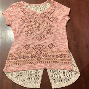 Other - Cute boho shirt with lace and a touch of glitter